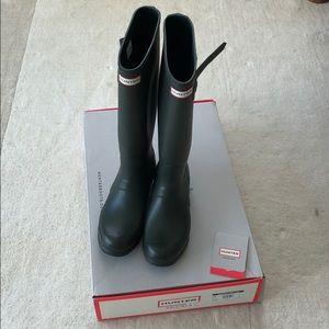 Women's Hunter Original tall boots 9M dark Olive